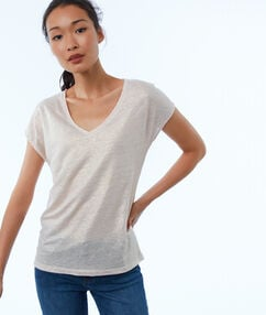 V-neck t-shirt nude.