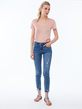 V-neck plain t-shirt pale pink.