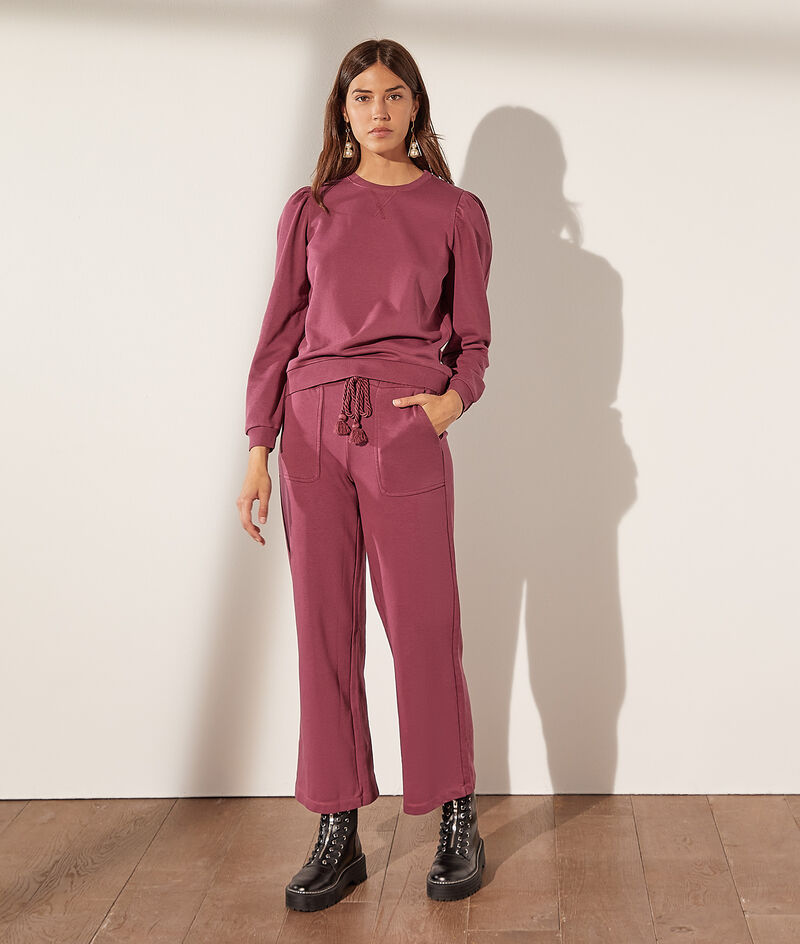 Wide jogging trousers