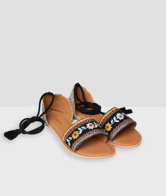 Flat beaded sandals ocre.
