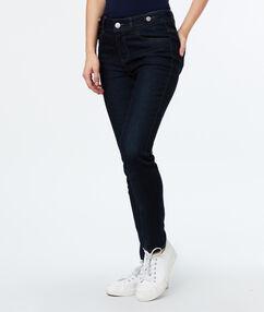 Slim jeans raw.