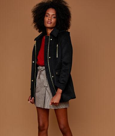 Manteau trois-quarts noir.