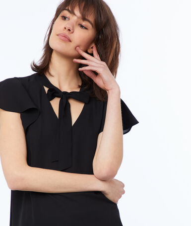Slinky top with pussy-bow collar black.