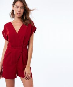 Combi-short avec lanière dans le dos rouge sienne.