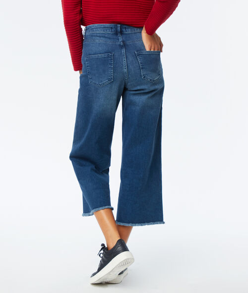 Frayed hem wide leg jeans