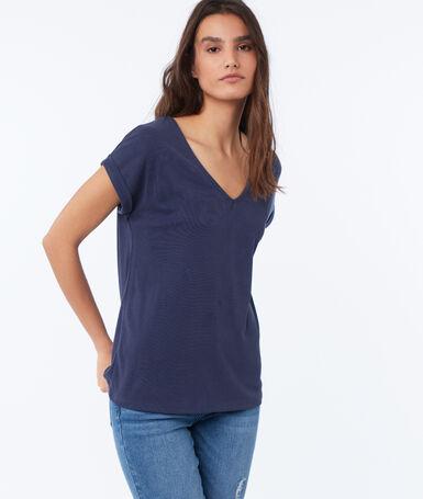 V-neck t-shirt navy blue.