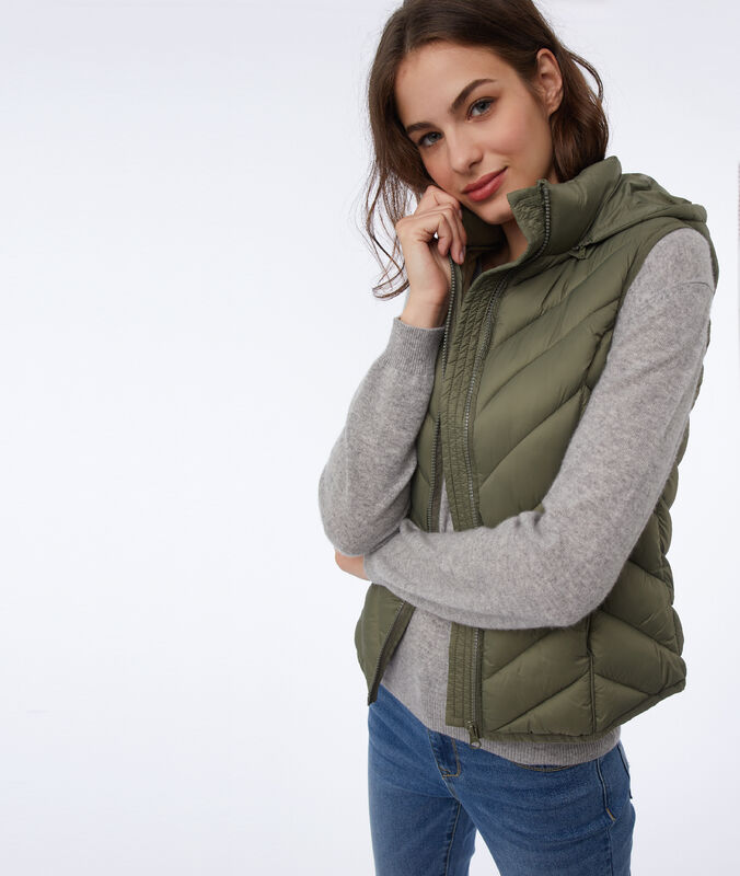 Sleeveless fleece jacket khaki.