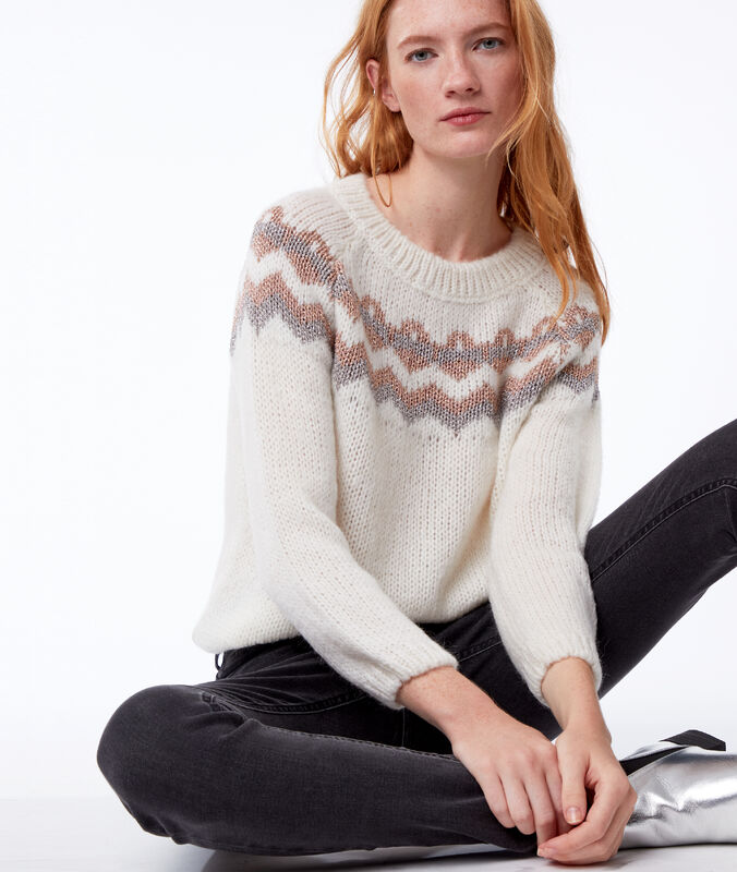 Cable knit with metalllic thread ecru.