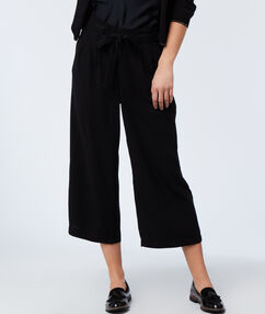 Trousers with belt black.