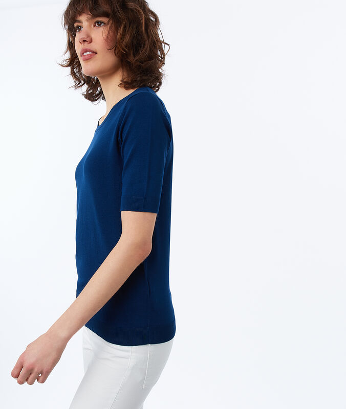 Short-sleeved, round-necked jumper ink blue.