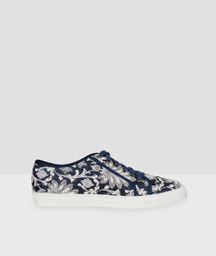 Lace up trainers navy blue.