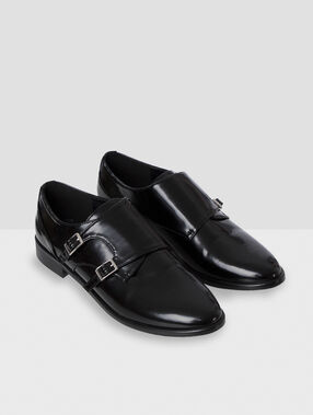 Derbies vernies à boucles noir.