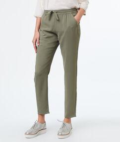 Plain carrot pants khaki.