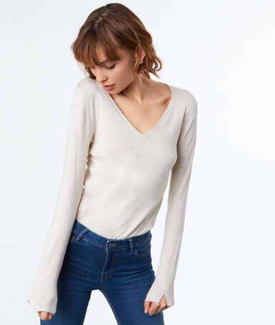V-neck jumper ecru.