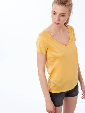 V-neck plain t-shirt mimosa yellow.