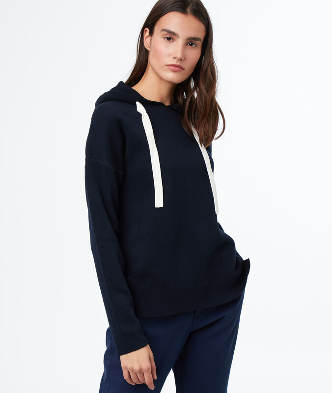 Hooded sweatshirt navy blue.