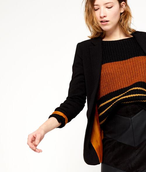 Colored lining blazer