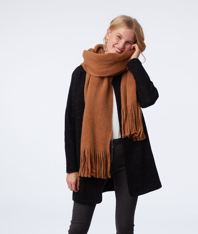 Scarf with tassels light brown.