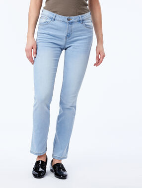 Straight leg jean blue.