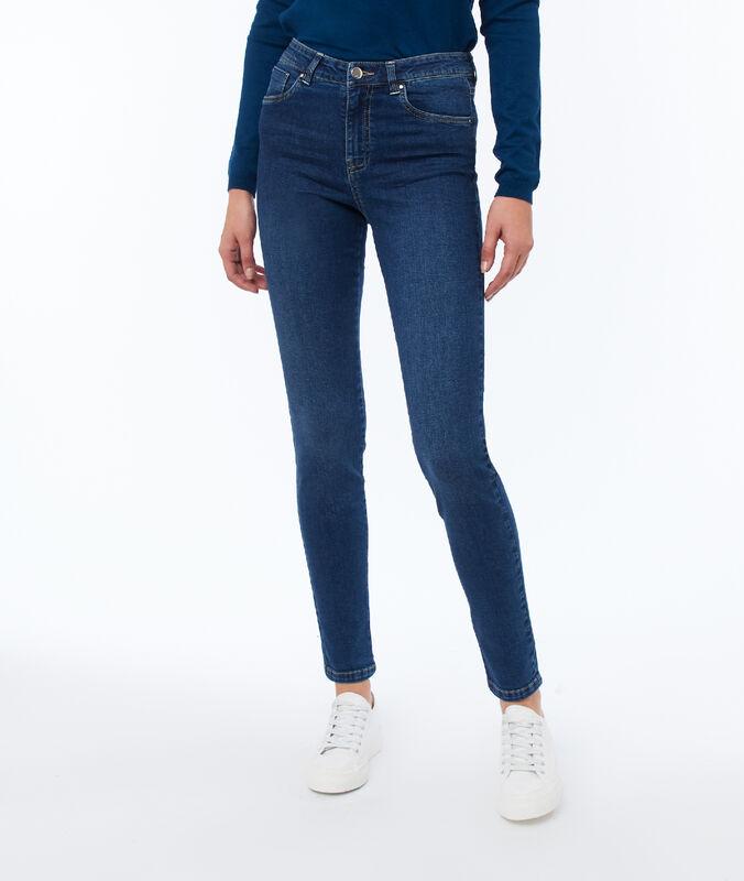 Slim-fit jeans raw.