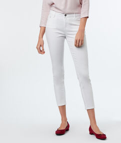 7/8-length slim-fit trousers white.