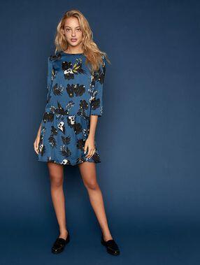 Vestido de corte evasé estampado floral turquesa.