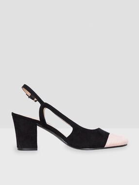 Heel court shoes black.