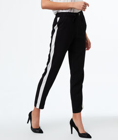 Pants with belt black.