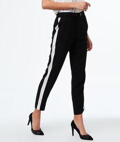 Pants with belt black.