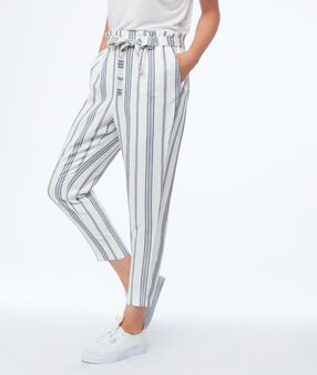 7/8carrot pants with striped belt ecru.
