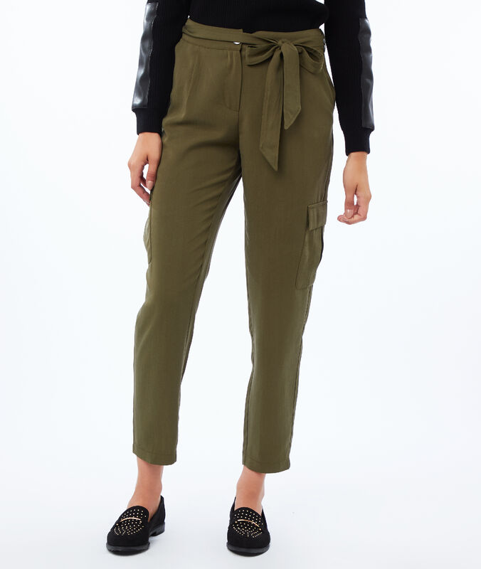 Carrot pants in tencel® khaki.