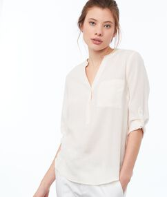 Blouse with tunisian collar nude.