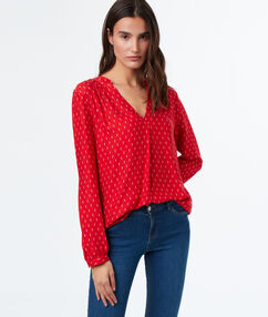 Blouse red.