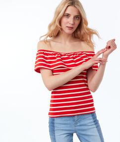 Bare-shoulder striped top red.