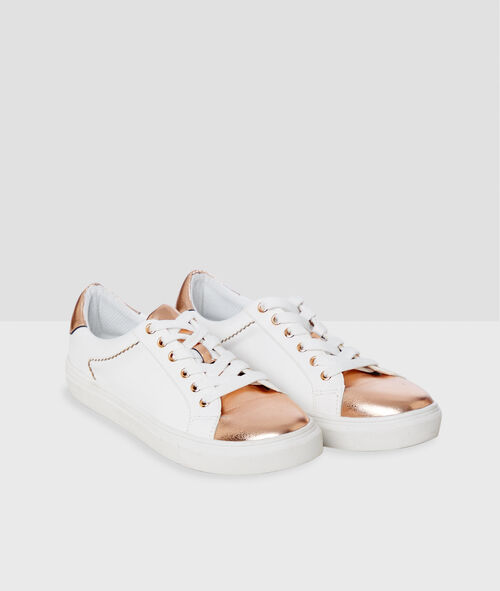 Sneakers with golden varnished panel