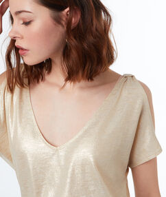 V-neck t-shirt gold.