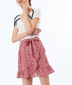Check skirt geranium.