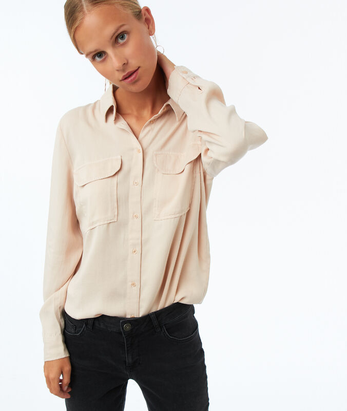 Tencel® shirt with 2 pockets sand.
